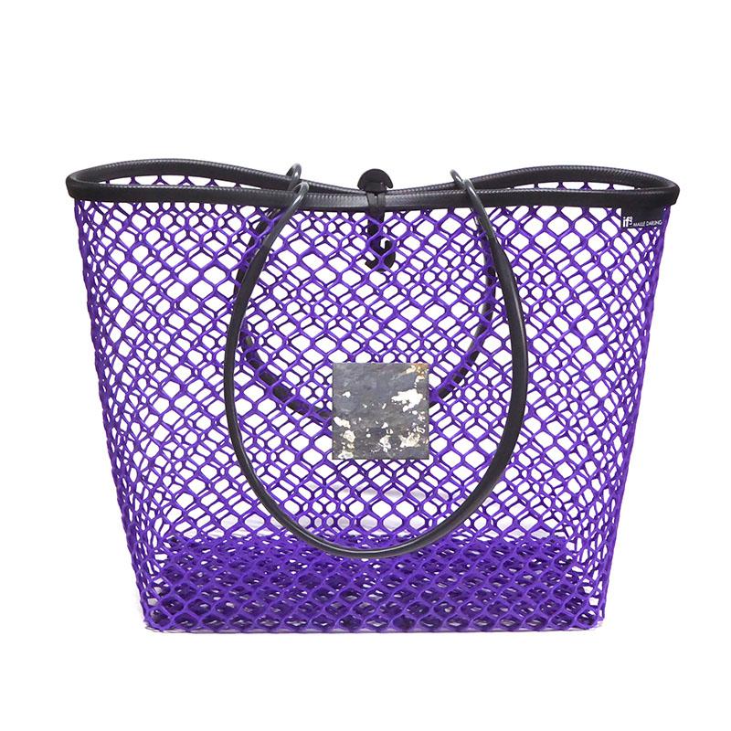 vue de face du grand cabas fermé ultra violet par maille darling